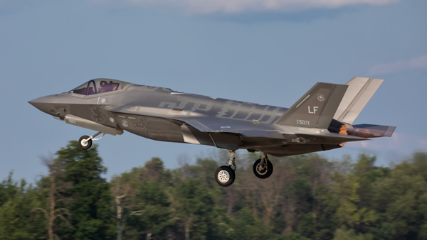 13-5071. Lockheed Martin F-35A Lightning II. USAF. Oshkosh. 230719.