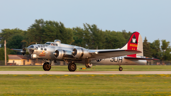 2102516 (N5017N). Boeing B-17G Flying Fortress. USAAF. Oshkosh. 250719.