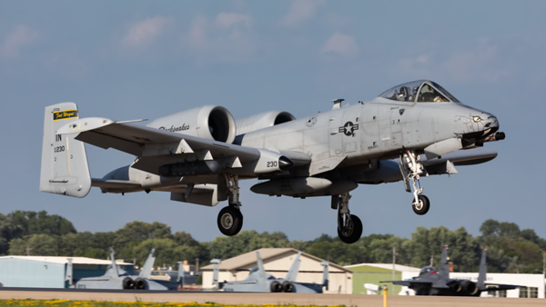80-230. Fairchild Republic A-10 Thunderbolt II. USAF. Oshkosh. 270719.