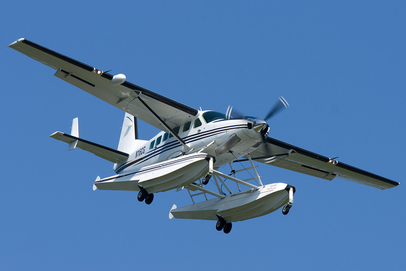 A cute seaplane on final for 24.