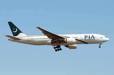 AP-BGL   777-240(LR)   33777