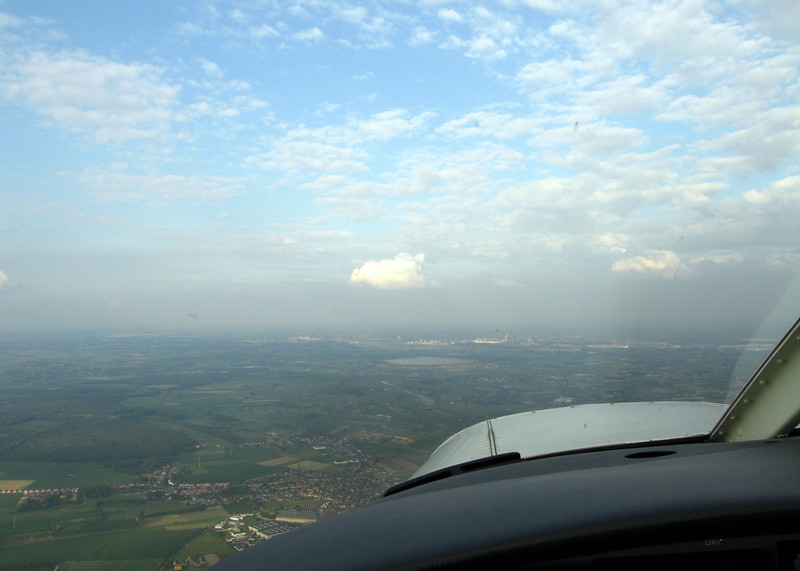 Inbound to Zwaantje, with a nice cumulus cloud above the port of Ghent.