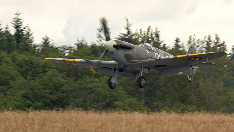 Supermarine Spitfire Mk.Vc of the FHC at Paine Field, Everett WA coming in early due mechanical issue.