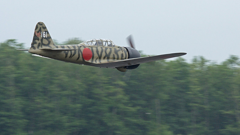 FHC WWII Japanese Zero Mitsubishi A6M3-22 Reisen - a bit of rain in this shot.