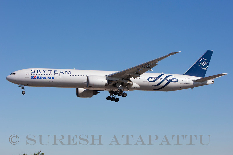 HL 7783 - Korean Air