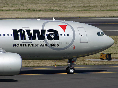 Northwest Airlines A330-200 at Portland International Airport