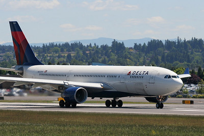 Airbus A330-223 Delta Air Lines N855NW / 3355 (cn 621)