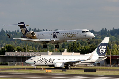 "N602QX (cn 10010) ""University of Washington""  Bombardier (Canadiar) CRJ 700  Horizon Air"
