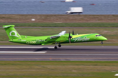 "N439QX (cn 4246) ""Comfortably Greener""  PDX - Portland International Airport  Bombardier DHC-8-401Q Dash 8  Horizon Air"