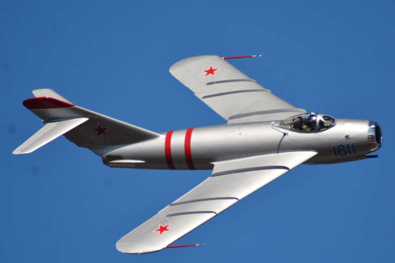 Here is the Mig-17 which was the adversary to our fighter who served in the Vietnam War. This was my 3rd time to see a Mig fly from that era.