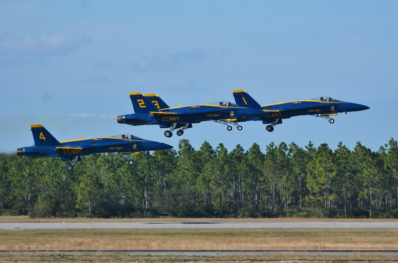 Last but not Least! I now bring you 30 of the best pictures of the United States Navy Blue Angels!