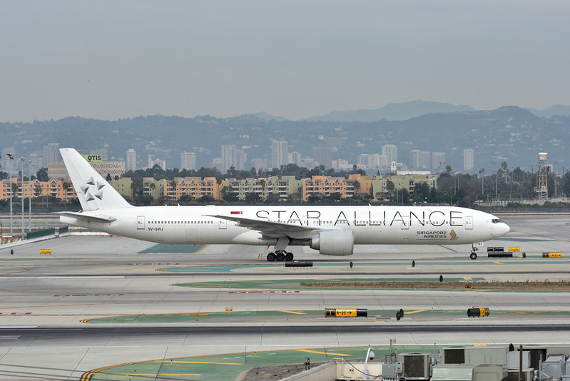 9V-SWJ<br /> <br /> Singapore Airlines Boeing 777 in Star Alliance livery taxies into Tom Bradley with SQ12 from Tokyo  (NRT)