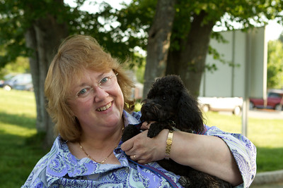 Sue from Toy Poodle Rescue with Doodle (who traveled all the way from Columbus, OH with three different pilots!)