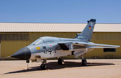 Marine Achtung fighter jet 6505