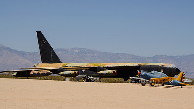 painted plane & single engine Army 6394