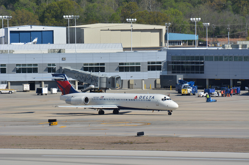 Here's a departure process of a Delta Airlines Boeing 717 departing for Atlanta.