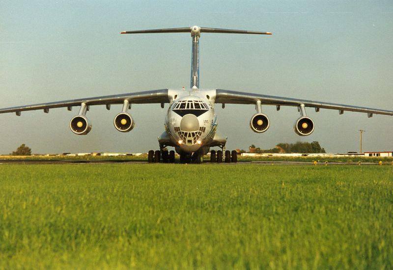 Great bird. Ilyushin 76 from Uzbekistan Airways. Vacating the runway after landing on Ostend Aiport. Summer 1997.