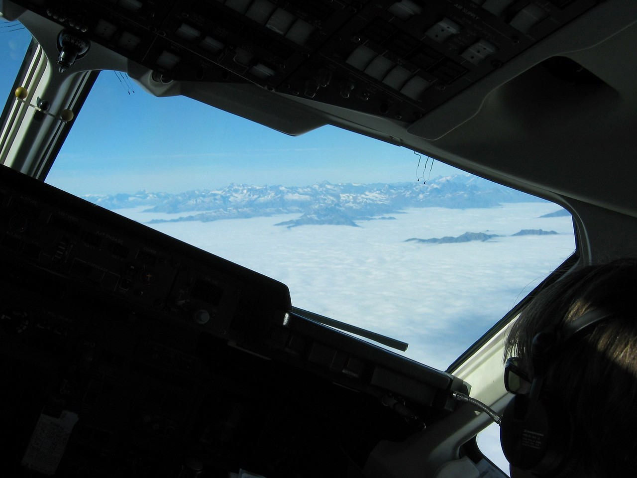 Banking towards the Alps, North of Italy. RJ85.