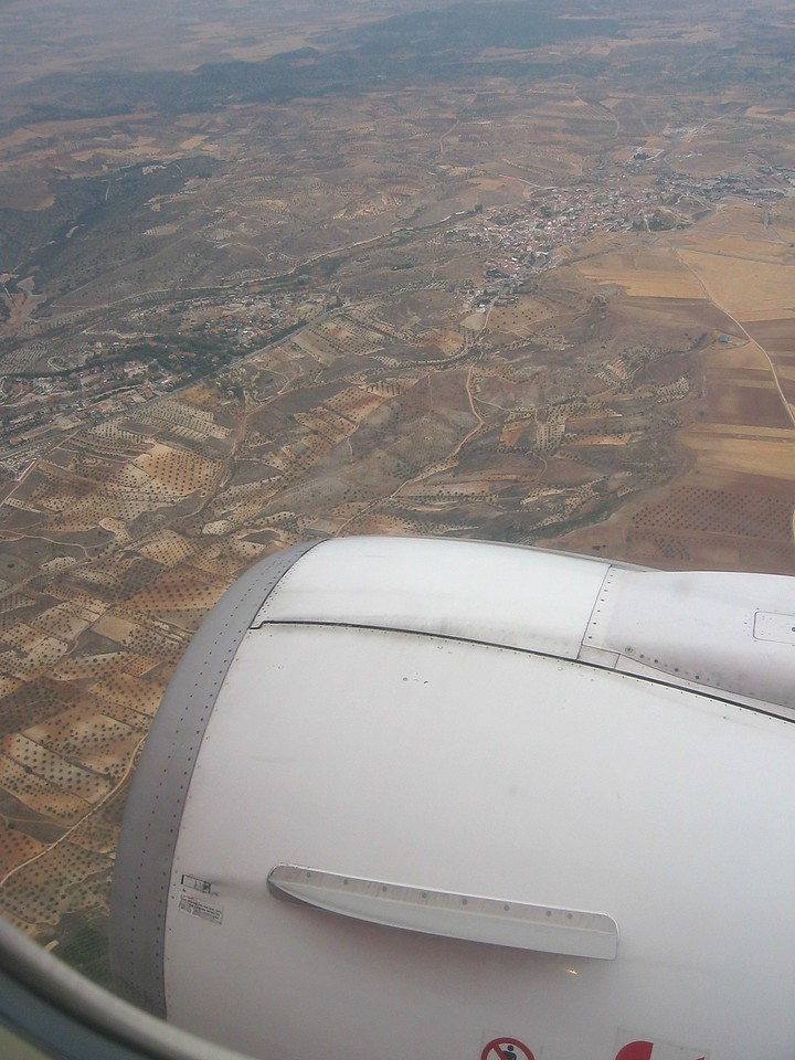 Scenery while approaching Madrid on board of a Boeing 737.