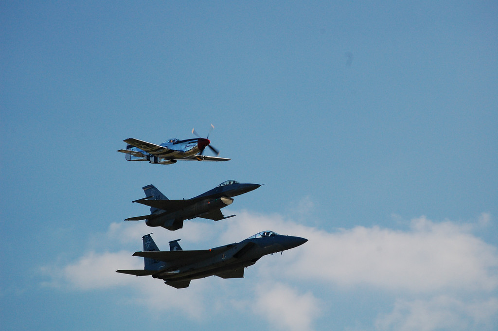 Heritage Flight<br /> P51 Mustang,<br /> F16<br /> F15 Eagle