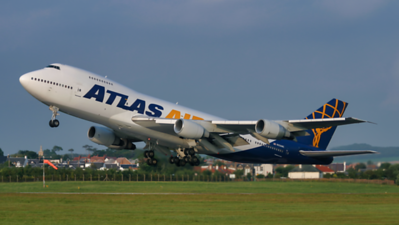 N526MC. Boeing 747-2D7B(SF). Atlas Air. Prestwick. 130804.