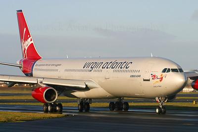 G-VBUS. Airbus A340-311. Virgin Atlantic. Prestwick. 151204.  Crew training.