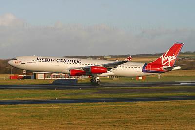 G-VBUS. Airbus A340-311. Virgin Atlantic. Prestwick. 151204.