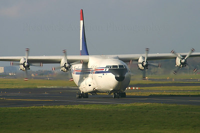 9L-LDQ. Short SC-5 Belfast C1. HeavyLift Cargo Airlines. Prestwick. 031104.