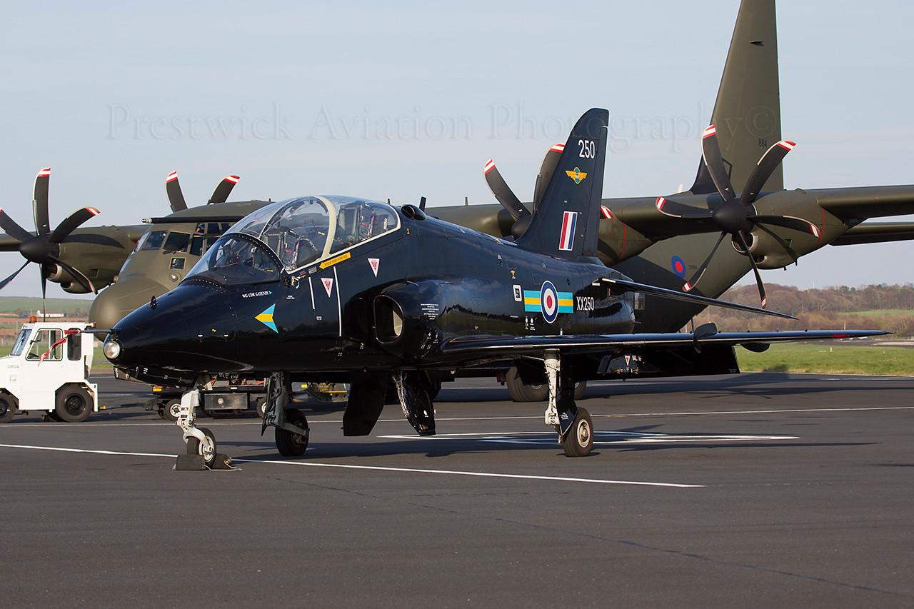 XX250. British Aerospace Hawk T1A. RAF. Prestwick. 150414.