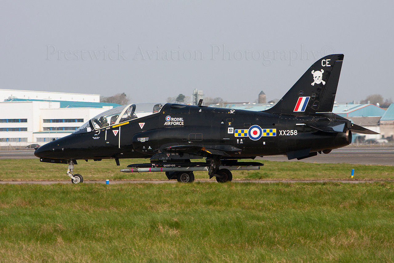 XX258. British Aerospace Hawk T1A. RAF. Prestwick. 310314.