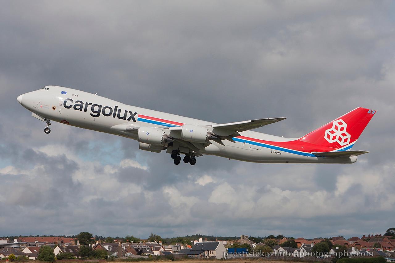 LX-VCH. Boeing 747-8R7F/SCD. Cargolux. Prestwick 130814.