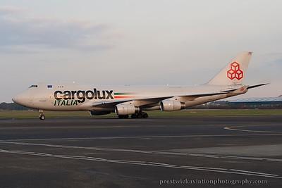 LX-TCV. Boeing 747-4R7F/SCD. Cargolux Italia. Prestwick. 211114.