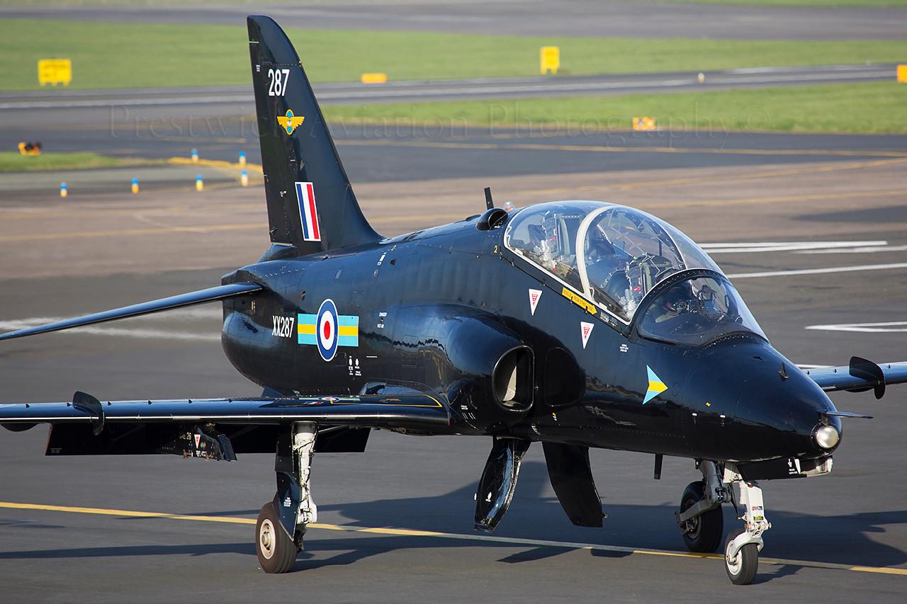 XX287. British Aerospace Hawk T1. RAF. Prestwick. 150414.