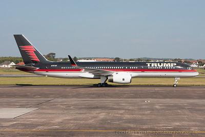 N757AF. Boeing 757-2J4. Trump Corp. Prestwick. 100914.