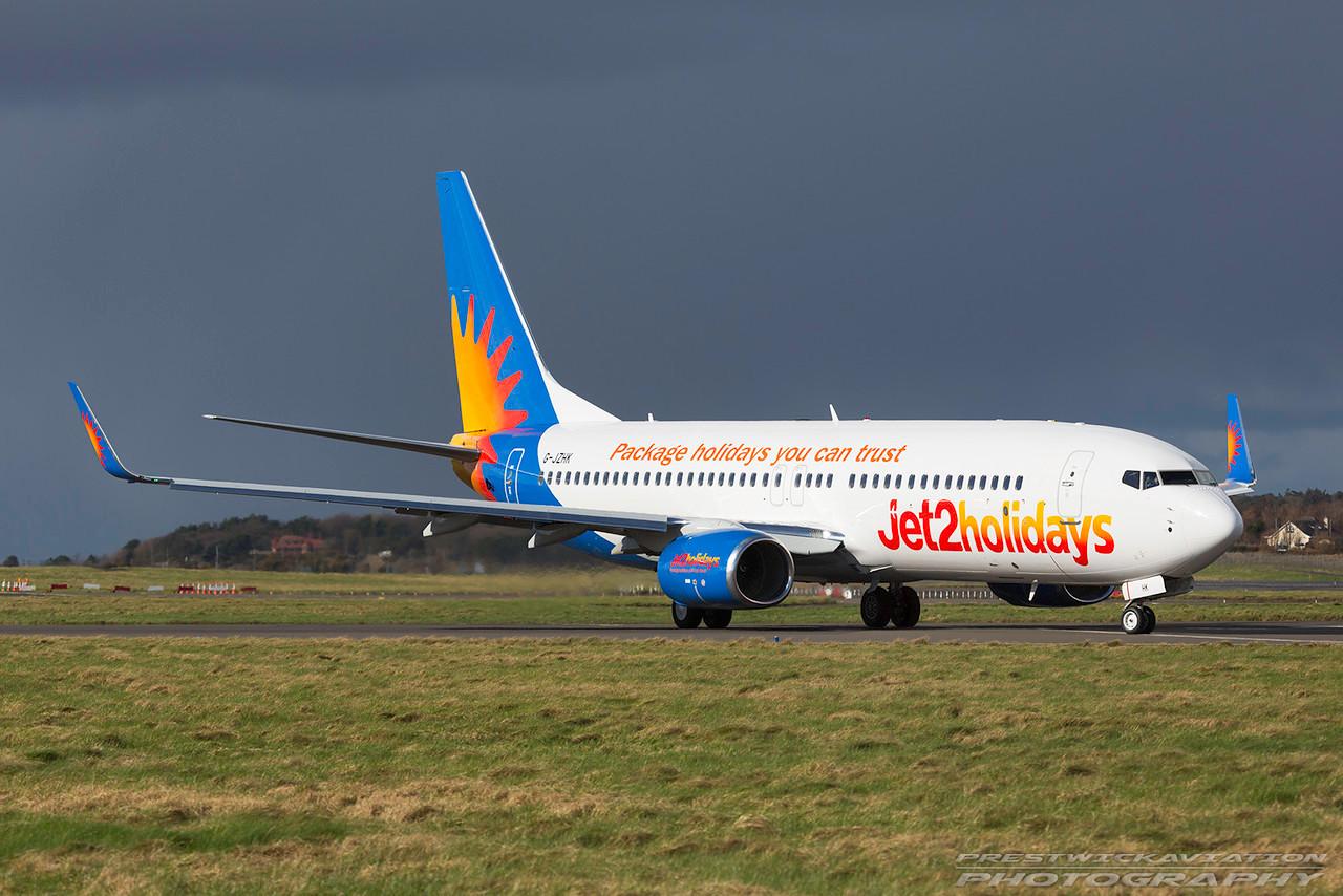 G-JZHK.  Boeing 737-8MG(WL). Jet2. Prestwick. 010317.