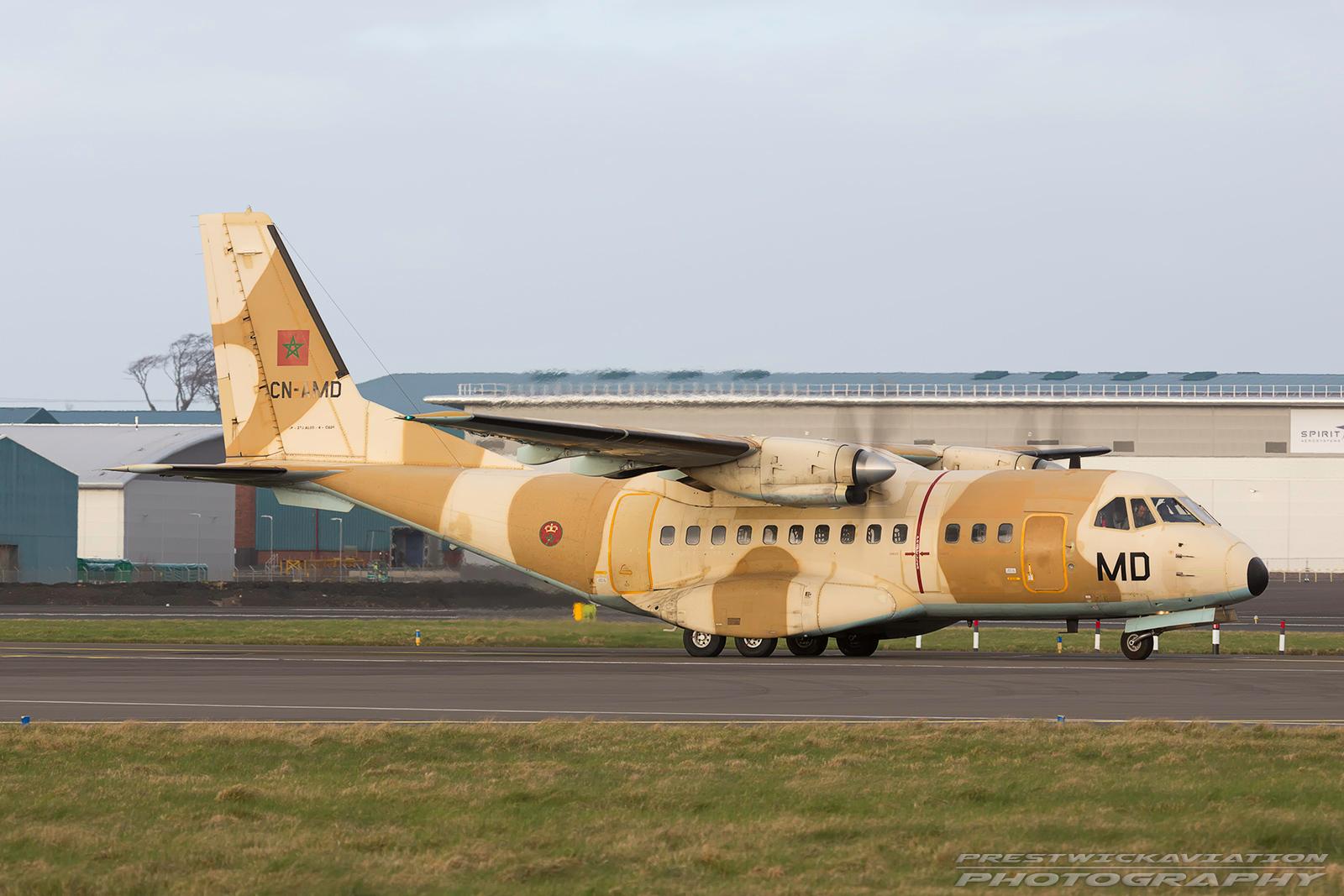 FRA: Photos d'avions de transport - Page 31 CN-AMD%20CASA%20CN-235M-100%20Morrocan%20Air%20Force%20Prestwick%20080317-O