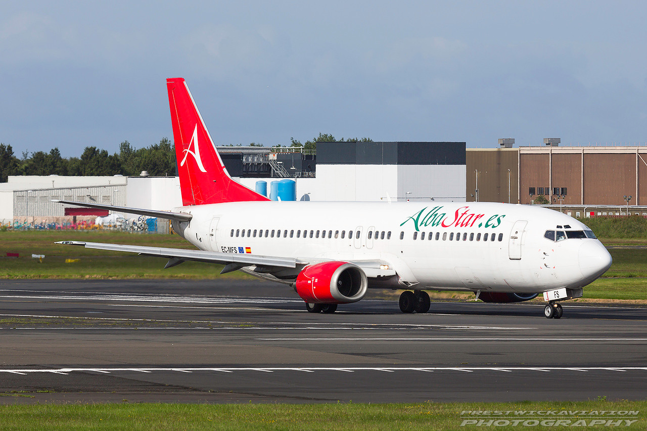 EC-MFS. Boeing 737-4YO. Alba Star Airlines. Prestwick. 040717.