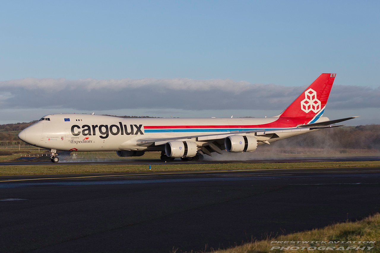 LX-VCF. Boeing 747-8R7F/SCD. Cargolux. Prestwick. 040117.