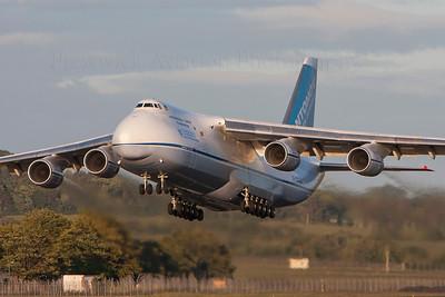 UR-82029. Antonov An-124-100 Ruslan. Antonov Design Bureau. Prestwick. 200708.