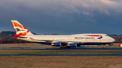 G-BNLR. Boeing 747-436. British Airways. Prestwick. 020209.