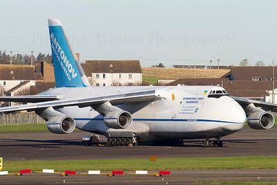 UR-82073. Antonov An-124-100 Ruslan. Antonov Design Bureau. Prestwick. 071111.