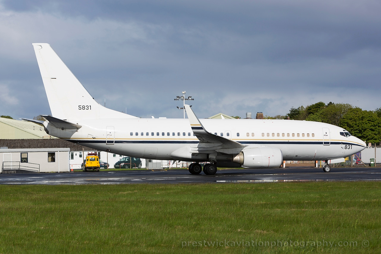165831. Boeing C-40A Clipper. US Navy. Prestwick. 290515.