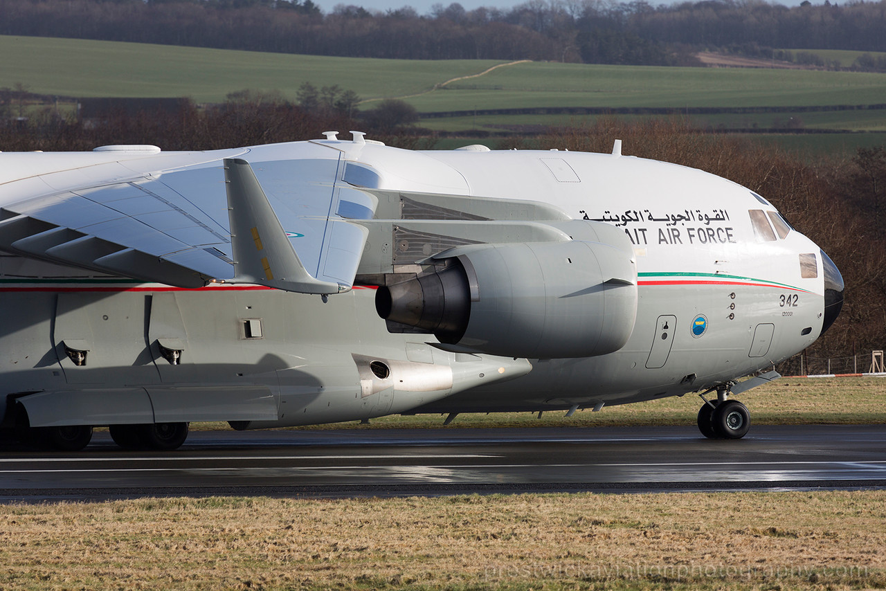 342. Boeing C-17A Globemaster III. Kuwait Air Force. Prestwick. 040315.