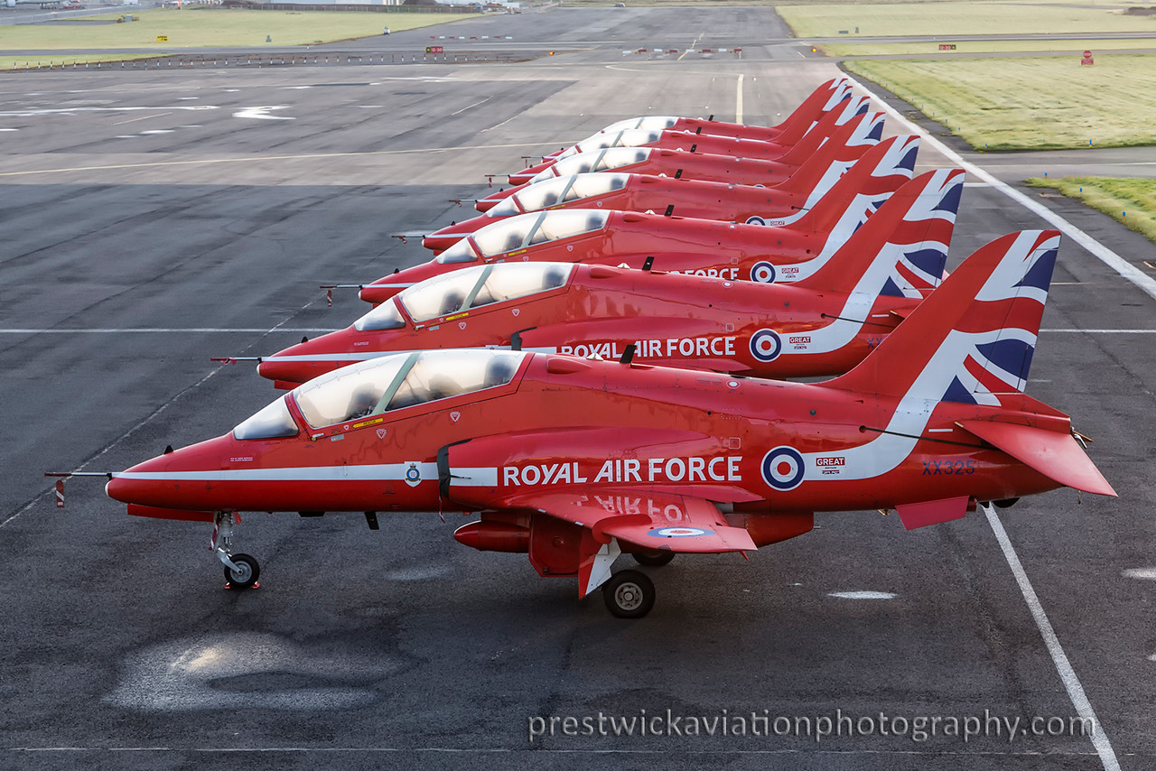 XX325. British Aerospace Hawk T1. RAF. Prestwick. 050915.