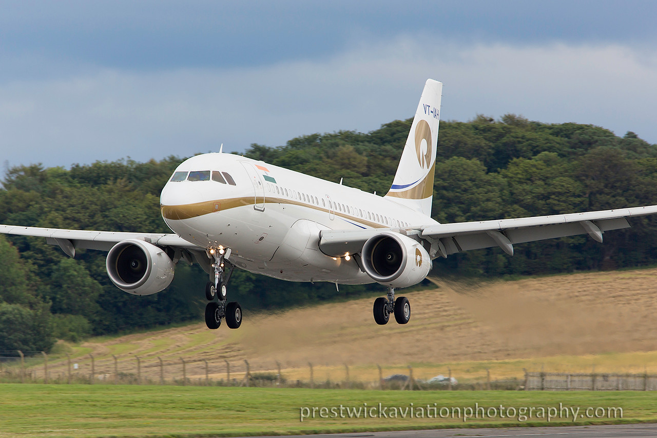 VT-IAH. Airbus A319-115XCJ. Reliance Industries. Prestwick. 090815.