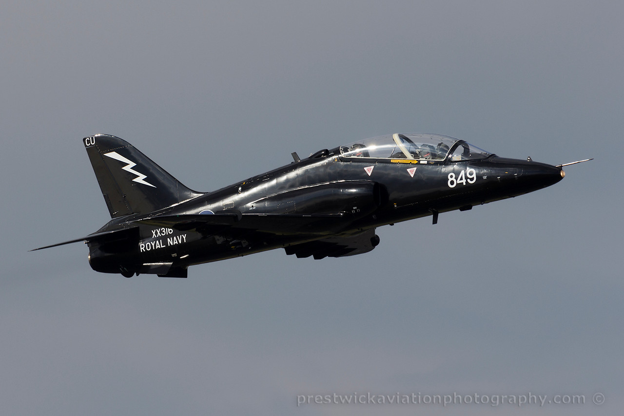 XX316. British Aerospace Hawk T1A. Royal Navy. Prestwick. 170415.