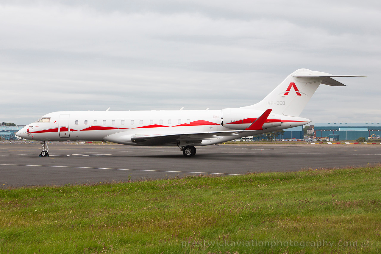VP-CEO. Bombardier Global Express XRS. Private. Prestwick. 250615 .