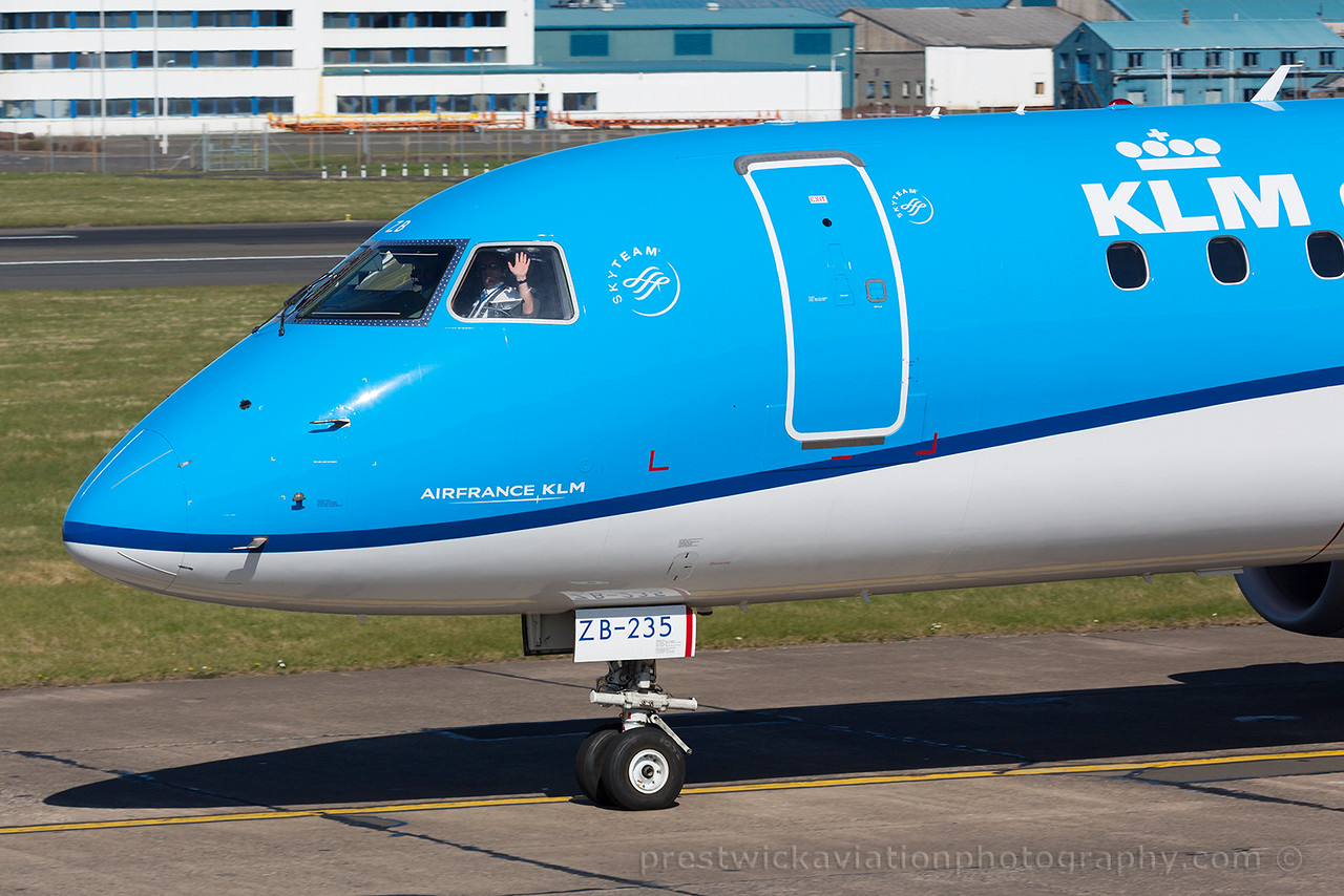 PH-EZB. Embraer 190STD. KLM. Prestwick. 180415.