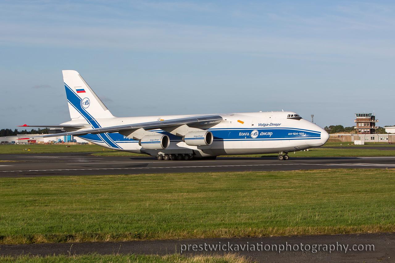 RA-82047. Antonov An-124-100 Ruslan. Volga Dnepr Airlines. Prestwick. 2508215.