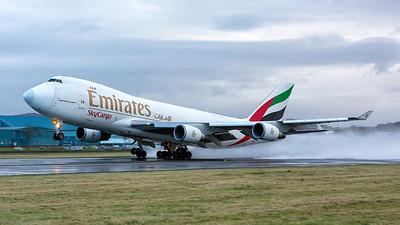 OO-THC. Boeing 747-4HAF/ER/SCD. Emirates SkyCargo. Prestwick. 221215.